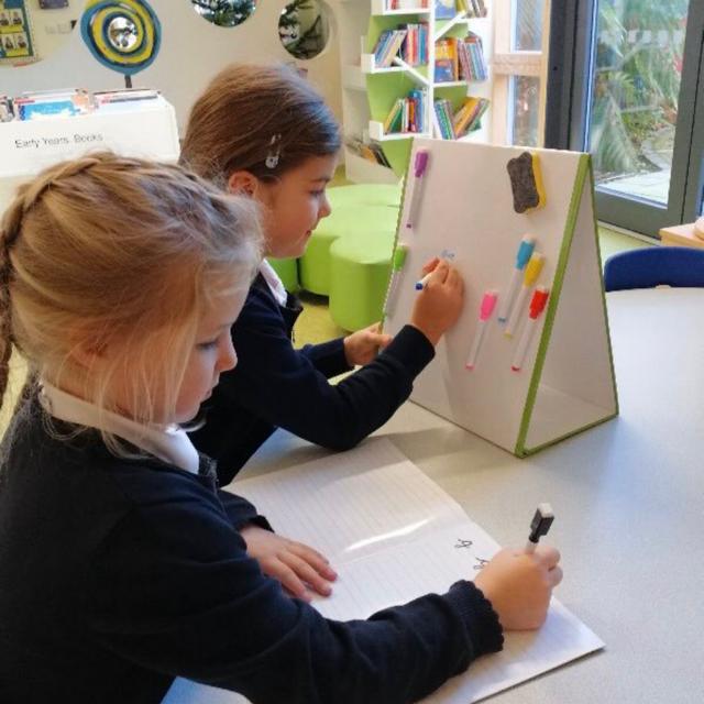 🇪🇸🧲 Pizarras de mesa escolares | La Pizarra 🧲 magnética para niños